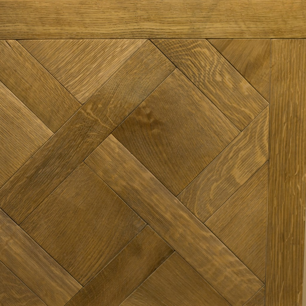 Castle Collection: FUMED OAK - Maria Antoinette design (rift & quartered, wire brush)
